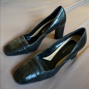 Women's size 7 naturalizer brand shoes